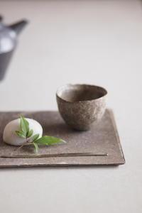 白灰化粧陶板 - なづな雑記