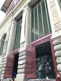 非常口のドア - フィレンツェのガイド なぎさの便り