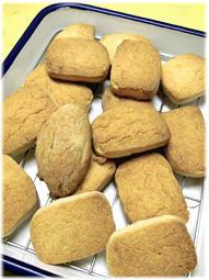 ホロホロ、サックサクのバタークッキー - nazunaニッキ