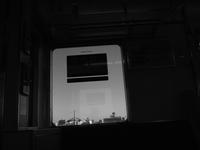 電車 - 空を見上げて