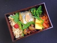 2/26鯖の味噌煮弁当 - ひとりぼっちランチ