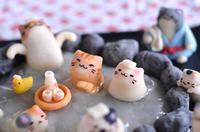 猫の日に、猫いっぱいの露天風呂練り切り(後編)  Homemade Cats Nerikiri on Open-air Hot Spring for Japanese Cat Day 2 - お茶の時間にしましょうか-キャロ&ローラのちいさなまいにち- Caroline & Laura's tea break