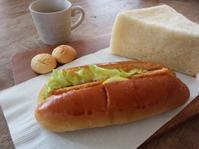 エビカツパンとシュガーパンのお昼ご飯… - miyumiyu cafe