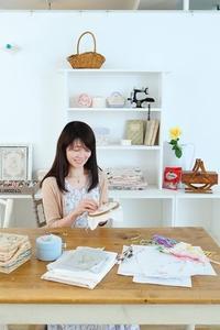 出版記念作品展まで2週間になりました - 東京・自由が丘  井上ちぐさの刺繍&カルトナージュ教室  Atelier Claire(アトリエクレア)