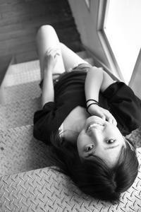 白井花奈ちゃん8 - モノクロポートレート写真館