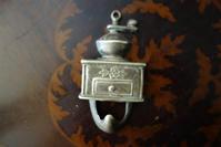 真鍮コーヒーミルのフック  sold out! - スペイン・バルセロナ・アンティーク gyu's shop
