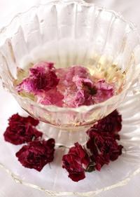 中国「食香バラ」のローズティーを頂きながら・・ - バラとハーブのある暮らし Salon de Roses