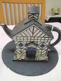 英国の家のティーポットでお茶時間 - BEETON's Teapotのお茶会