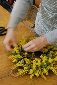ミモザのリース作り、ワークショップすべて終了しました。 - 花と暮らす店 木花 Mocca