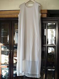 シンプルだけど奥深いそして使いやすいtomoumi onoのワンピース・ドレス - contemporary creation+ ART FASHION DESIGN