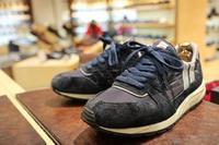 スニーカーの簡単お手入れPart1 - シューケアマイスター靴磨き工房 三越日本橋本店