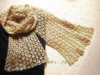 小花の透かしショール - 空色テーブル  編み物レッスン