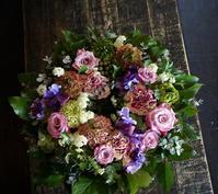 お母様のお誕生日にリース型アレンジメント。2018/03/10。 - 札幌 花屋 meLL flowers