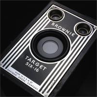 ※ 古いカメラが好きです [47] Brownie Target SIX-16 1946 - 気まぐれ写真工房 new