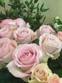 「インスタ」 - 世田谷区羽根木 東松原の小さなお花の教室   「森のアトリエ  pommes de pin」