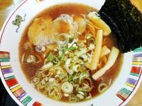 旭川ラーメン(醤油)670円 - 札幌ランチ漂流