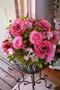 お誕生日に♪ピンクmixフラワーアレンジメント。 - 花色~あなたの好きなお花屋さんになりたい~