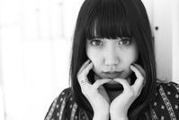 成美ちゃん5 - モノクロポートレート写真館