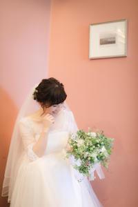新郎新婦様からのメール TERAKOYAの花嫁様 アシスタントこよいちゃんに伝えられたら良いな、と思うこと - 一会 ウエディングの花