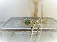 青と緑の遊色効果が美しいオパールリング - AntiqueJewellery GoodWill