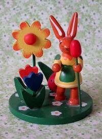 エルツのイースターの木製ウサギ -  Der Liebling ~蚤の市フリークの雑貨手帖2冊目~