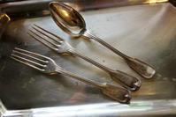 シルバープレートティースプーン161、フォーク77 sold out! - スペイン・バルセロナ・アンティーク gyu's shop