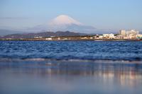 2018/03/17(SAT) 冷たい北風が吹く週末の海辺は......。 - SURF RESEARCH