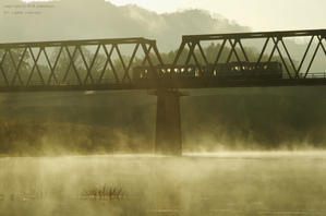 川霧の立つ朝 - ローカル鉄道散歩