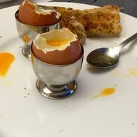 ずっと好きだった8『真似して半熟卵を食べてみた』 - 思い出すのは荒野の果てに消える道(アメリカの旅その他)