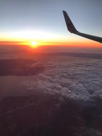 飛行機の中で見る夢。 - glass cafe gla_glaのグダグダな日々。