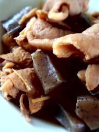 豚もつとこんにゃくの煮込み - 東京ライフ