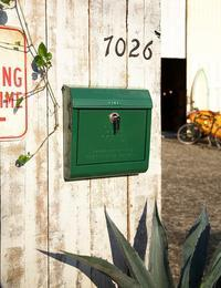 ARTWORK STUDIO U.S.MAILBOX - GLASS ONION'S BLOG
