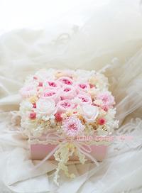 フラワーケーキ お母様へのお誕生日お祝いへ - 一会 ウエディングの花