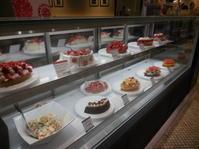 カフェコムサで美味しい苺のケーキをいただきました - ラベンダー色のカフェ time