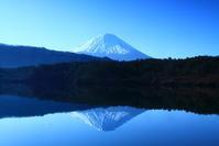 30年3月の富士(16)西湖の富士 - 富士への散歩道 ~撮影記~