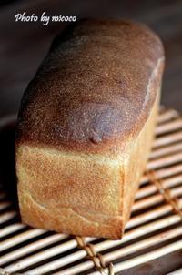 山食パン - 森の中でパンを楽しむ