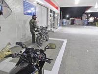 オージー クレ様とチョイ夜走りにてストトリ675ちゃん4日目・・・ - バイクパーツ買取・販売&バイクバッテリーのフロントロウ!