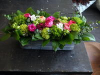 洞爺湖町のパン屋さんの28周年に、娘さんからアレンジメント。2018/03/22着。 - 札幌 花屋 meLL flowers