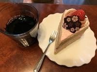 ふわふわケーキと赤ワイン♪ - よく飲むオバチャン☆本日のメニュー
