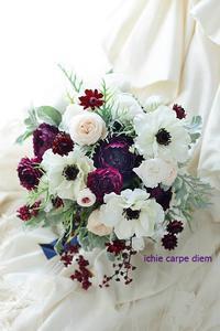 クラッチブーケ風椿山荘様へアネモネの白プリザーブドとアーティフィシャルフラワーで - 一会 ウエディングの花