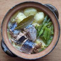 サバ水煮缶、じゃがいも、インゲンの煮込みパスタ - ツジメシ。プロダクトデザイナー、ときどき料理人