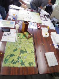"""第345回定例会の様子その10 ベイツさんのASL=Meetup... [J193]""""Raff's Rules"""" (1945年3月24日:American vs German) - YSGA(横浜シミュレーションゲーム協会) 例会報告"""