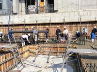 昨日に引き続きコンクリート打設。約200立米 - 設計事務所 arkilab