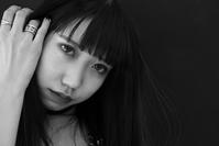成美ちゃん6 - モノクロポートレート写真館