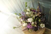 お誕生日の花 シックに大人っぽく - 北赤羽花屋ソレイユの日々の花