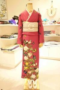 訪問着「薔薇と蝶のワルツ(ローズ)」コーディネートご紹介 - 豆千代モダン 新宿店 Blog