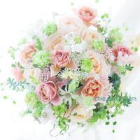 遊びラウンドブーケ パレスホテル東京様へ 新緑と薄茶 - 一会 ウエディングの花