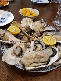 殻つきの牡蠣はガンガン焼きで - 牡蠣を煮ていた午後