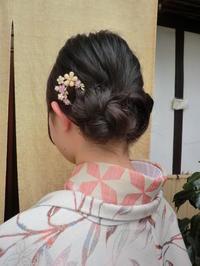 ヘアーセットは無料です。髪飾りもついてます。 - 京都嵐山 着物レンタル&着付け「遊月」