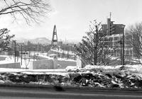 モルモン教会の残雪風景とヘイトスピーカーのケント・ギルバート - 照片画廊